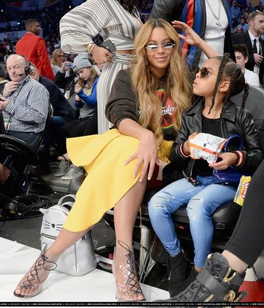 NBA All-Star Game (February 18) - Beyoncé Online Photo Gallery