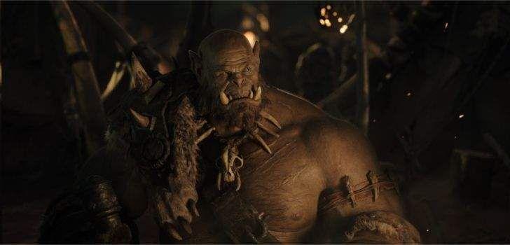 """Foram liberadas as primeiras imagens oficiais do filme live-action baseado no gameWorld OfWarcraft. Elas nos trazem o primeiro vislumbre do personagem do atorRobert Kazinsky, o Orc Guerreiro Orgrim. Orgrim Doomhammer, está sendo trazido à vida pelaIndustrial Light and Magic e pelo atorRobert Kazinsky, famoso por seu papel em Círculo de Fogo. """"Nós estávamos procurando por …"""