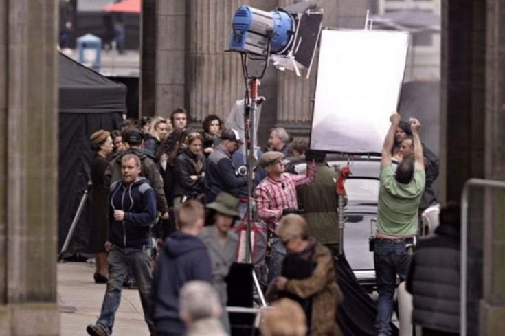 In pictures: New American TV show Outlander films in Glasgow city centre - Scotland Now
