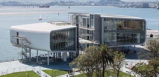 Культурный центр на берегу моря от Ренцо Пиано. http://faqindecor.com/ru/news/kulturnyj-centr-na-beregu-morya-ot-renco-piano/