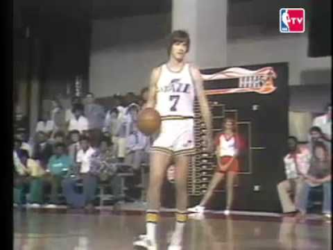 ▶ Pistol Pete Maravich 1976-77 New Orleans Jazz highlight clip - YouTube