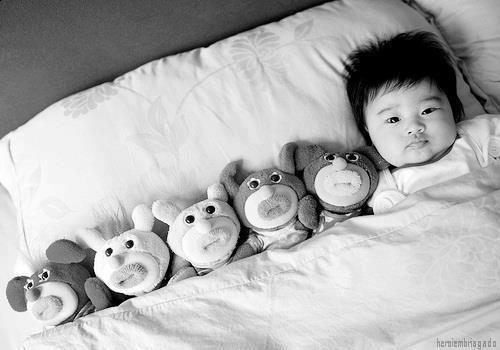 Inés con todos sus muñequitos *.*