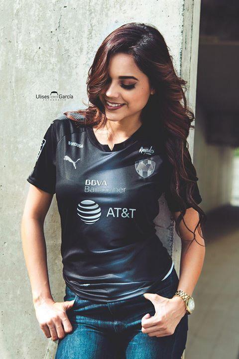 Así la sonrisa de una Rayada de corazón! #FELICIDADES Club de Futbol Monterrey #EnLaVidaYEnLaCancha #Rayados