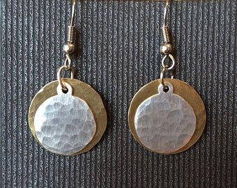 Gemengde metalen oorbellen messing en zilveren door AmorphicMetals