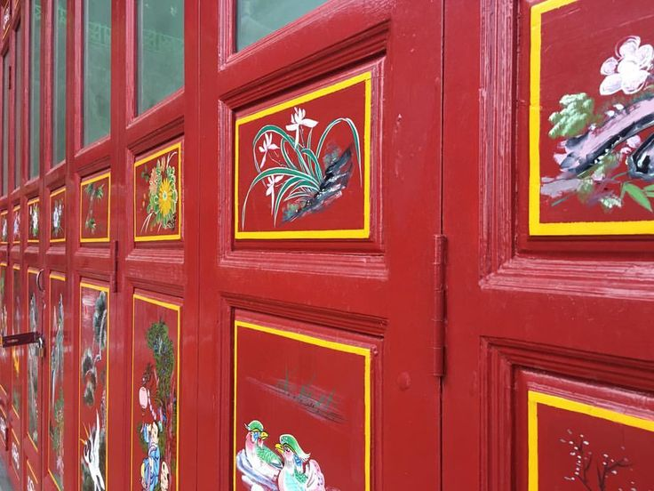 """(@patternatelier) on Instagram: """"Chinese pagoda in perspective ! #chinese #pagoda #door#colorful #traditional #chinoiserie #sacred…"""""""