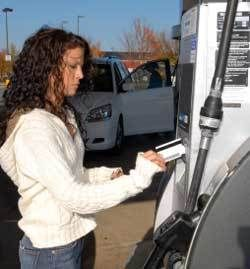 Auto gasoline cards: Compare gas cards #getting #your #credit #score http://credit-loan.remmont.com/auto-gasoline-cards-compare-gas-cards-getting-your-credit-score/  #gas credit card # Compare gas cards Interest rates (APRs), rewards, terms and fees of popular gasoline cards By Steve Holt and Connie Prater EDITOR'S NOTE: This article, while accurate when published in 2008, has become outdated. See the 2012 gasoline rewards card comparison chart. Wondering if you should keep your old gas…