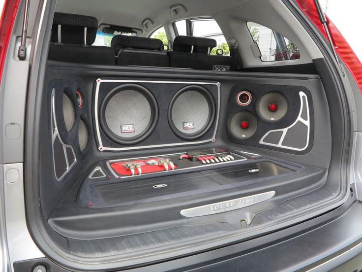 Thunder8000 subwoofers with RoadThunder Extreme speakers.