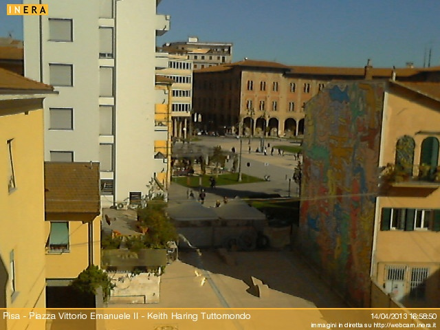 Pisa Webcam - Tuttomondo Keith Haring - Meteo 20.8°C  16:59