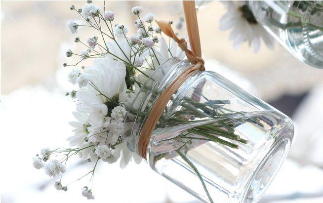 10 Tipps, wie Sie Tischkarten, Blumen-Deko & Co zur Hochzeit ganz einfach selbst machen. #DIY #Wedding