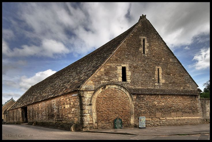 this is one of the oldest tithe barns in England