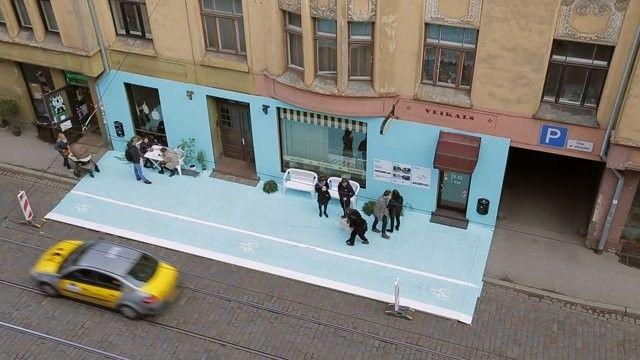 Intervenção urbana: Mais espaço para os pedestres e ciclistas nas ruas de Riga