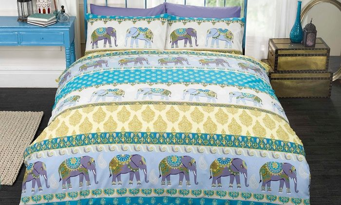 This duvet set beautifully captures the rich colours and designs traditional with Jaipurian art and is available in red and blue shades