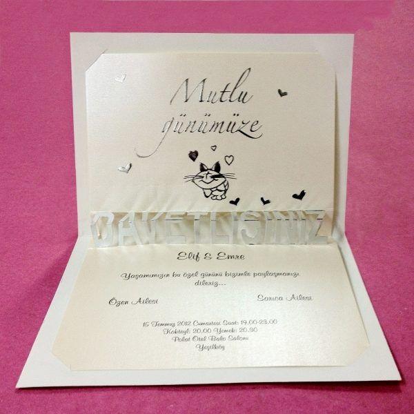 Invitatie de nunta haioasa, crem, cu inimioare si pisicuta.