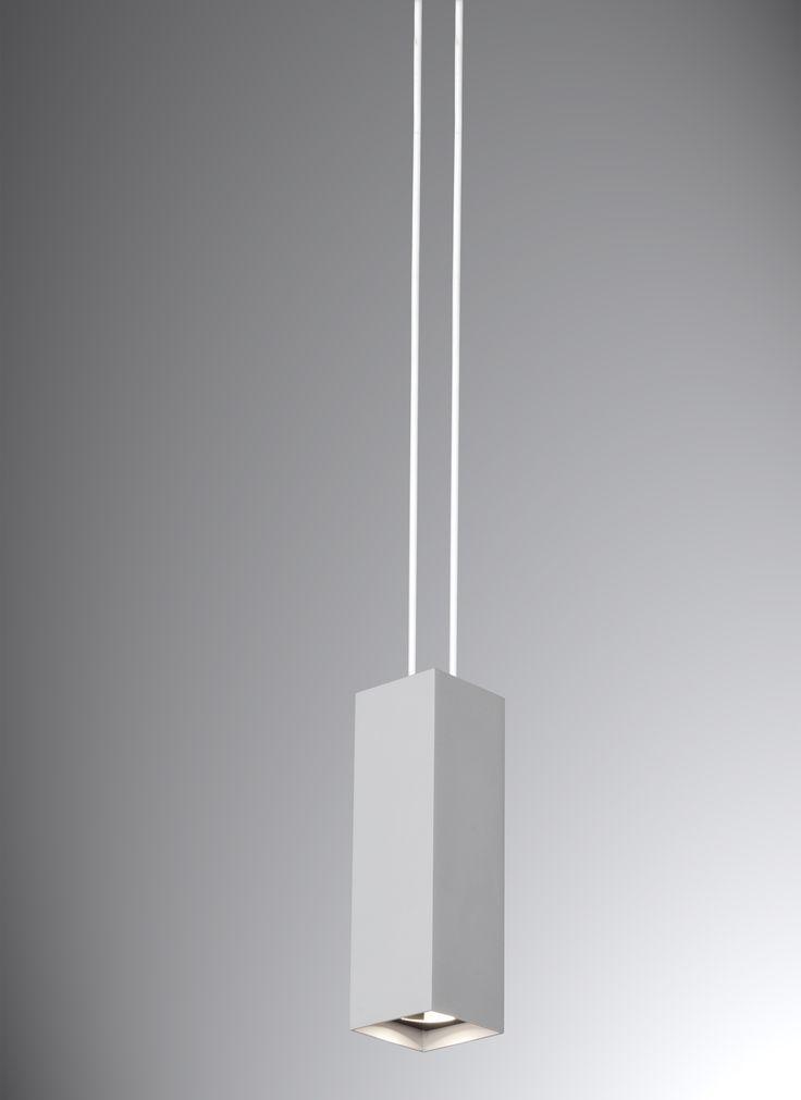 Pendente Uno pequeno, branco,  Medidas: 13x13x25cm,   Material: Alumínio e acrílico,  Cor: Branco Total