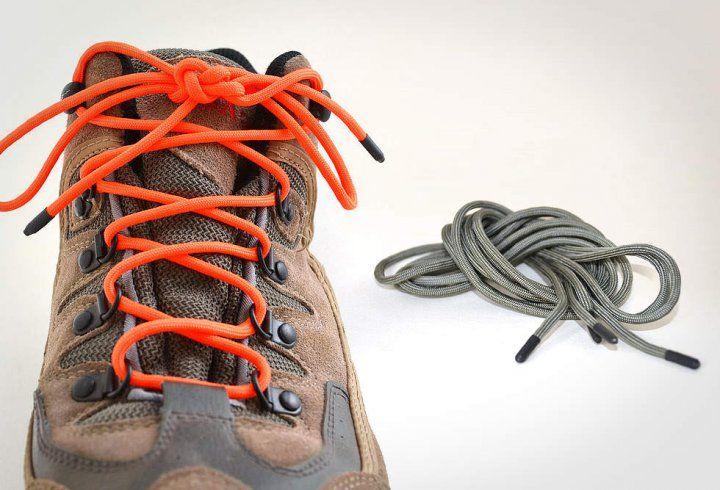 D'après Castle Brook, ce sont les lacets de chaussure les plus solides au monde. Chaque paire est faite à partir de 7 brins de nylon, de corde Kernmantle pouvant supporter jusqu'à 250kg, et d'embouts en polyoléfine fondue. Ils ne sont vraiment pas prêts de vous laisser tomber.