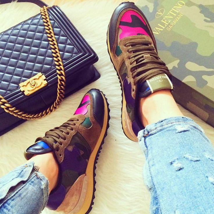 Valentino Kicks