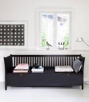 Oliver Furniture Kökssoffa / stor svart slagbänk
