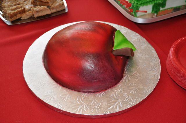 Snow White apple cake: Cakes Ideas, Catch My Party, Snow White Apple, Cake Ideas, Snow White Birthday, 1St Birthday, Birthday Parties Ideas, Birthday Party Ideas, Birthday Ideas