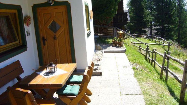 zirmachh tte falkertsee terrasse mit gem tlicher. Black Bedroom Furniture Sets. Home Design Ideas