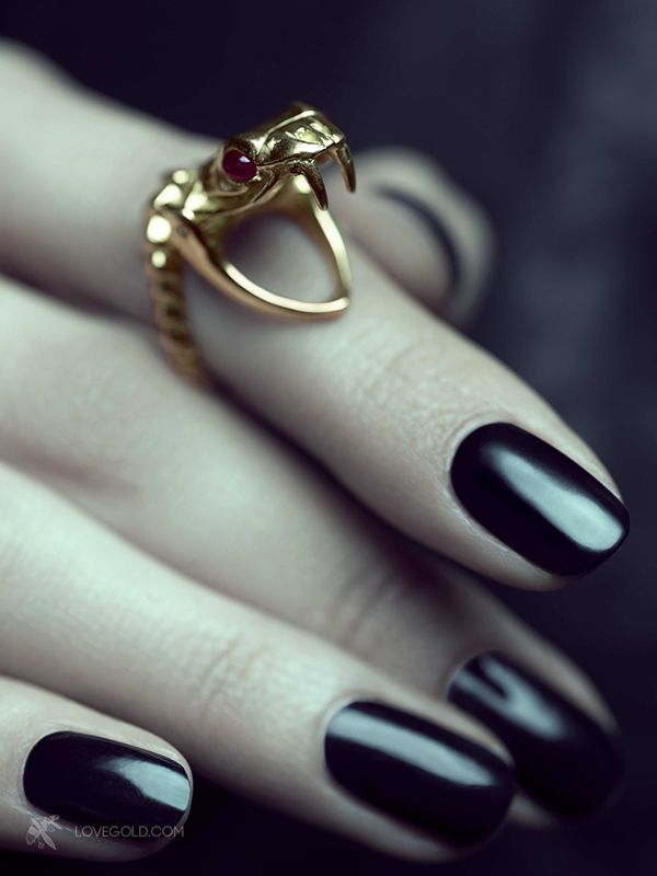 snake ring by Solange Azagury-Partridge. #Hinting Season @Maria Canavello Mrasek Canavello Mrasek Harris