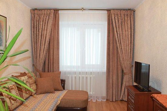 Двойные с подхватами шторы для спальни