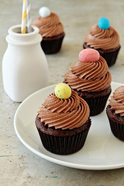 chocolate malt cupcakes, too! malt malt malt.