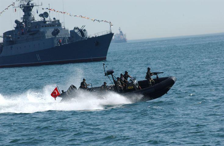 ΕΚΤΑΚΤΟ: Μείζον πολεμικό επεισόδιο στο Αγαθονήσι – Τουρκικά πλοία προσομοίωσαν απόβαση και ακολούθησε ναυμαχία με ελληνικά
