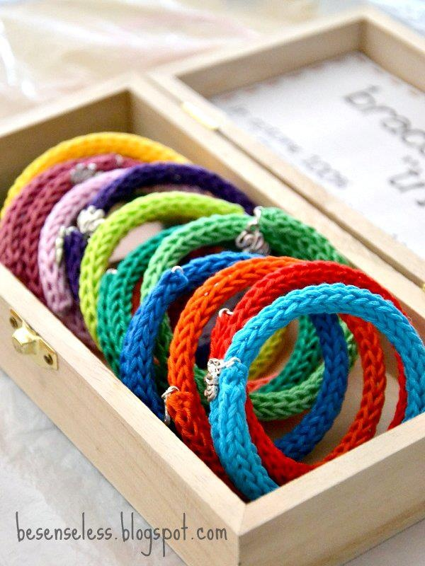 crochet bijoux - tricotin bracelets