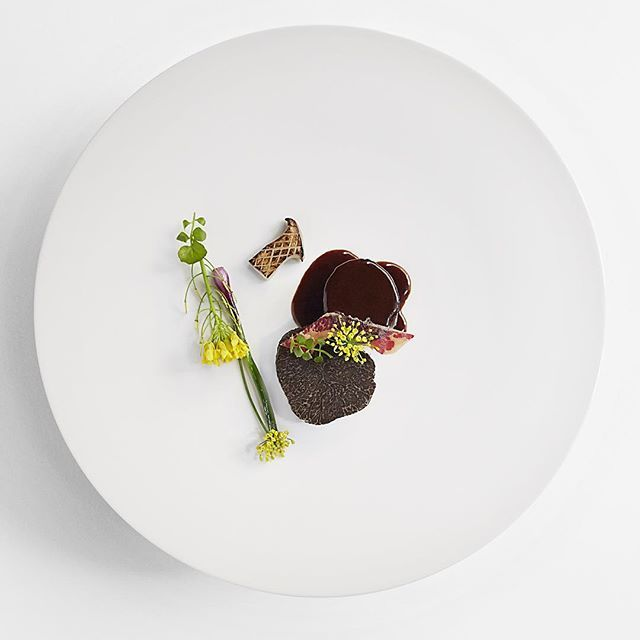 B and B - Beef and Black truffle @juninyc #soigne #nyc #australia #tastingmenu #tasty #michelinstarfood #artofplating #excellence #fashion #art #shaunhergatt @signebirck thx for the fine eye! #photographer #winter
