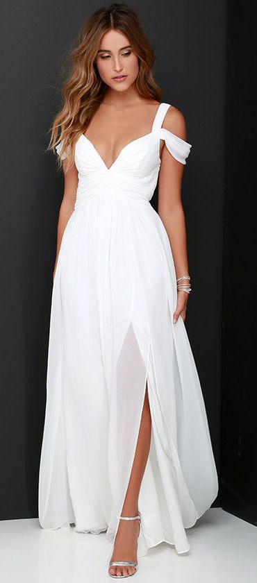 Ocean of Elegance Ivory Maxi Dress ==
