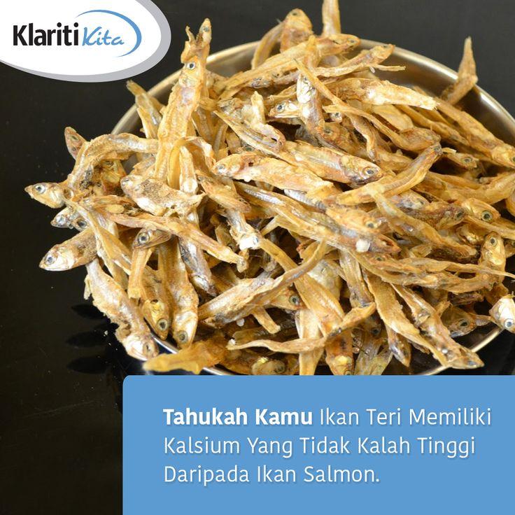 Salah satu yang membuat ikan teri menjadi sumber kalsium terbaik karena durinya bisa ikut dimakan, di mana di dalam duri tersebut terdapat jumlah kalsium yang melimpah. Nah buat Sahabat KlaritiKita yang ingin menjaga kesehatan tulang, yuk coba masukkan ikan teri ke dalam menu harian kamu :)