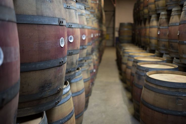 Whiskey/wine barrels