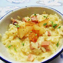 Risoto de bacon, pera e queijo brie