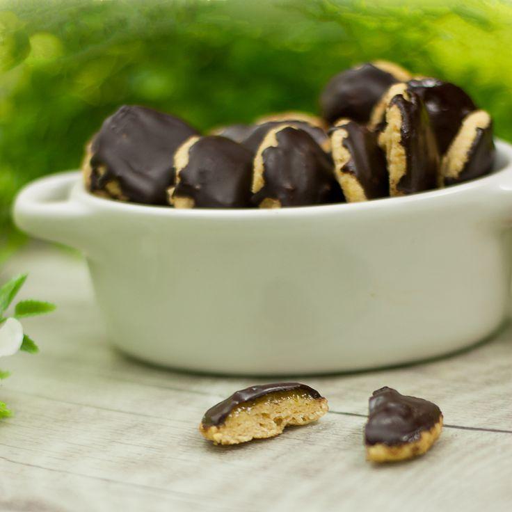 Passend zum Marmeladen-Rezept meiner Mutter, gibt es diesmal eine leckere Weiterverarbeitung davon. Nämlich in Form von low carb Softcakes. Sie sind sehr lecker, saftig und eine schöne Geschenkidee.  Related Posts:Produkte die ich empfehlen kannMein gefüllter HorrorkürbisWeiße Himbeer-Schokolade – Zum Verschenken…