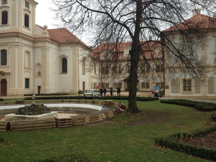 Zámek Loučeň in Loučeň, Středočeský