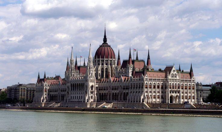 Fotos de: Hungria - Budapest - Parlamento vista exterior