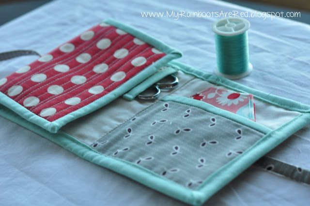 Travel sewing kit! Perfect for paper peicing hexi's. www.MyRainbootsAreRed.blogspot.com