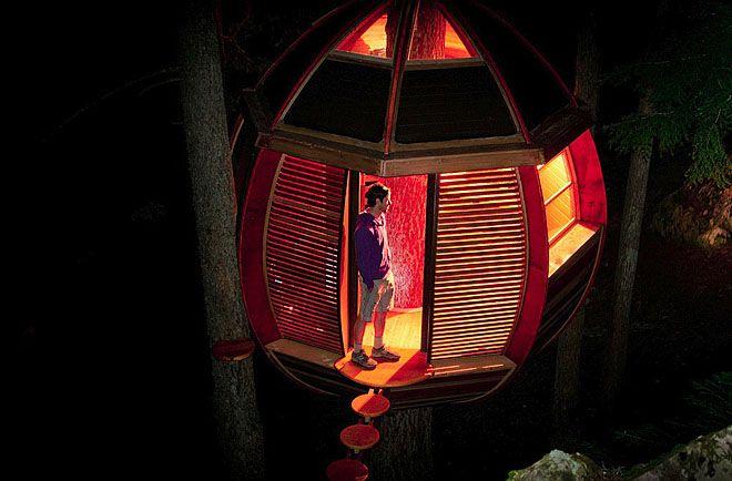 Tree house at night...Whistler