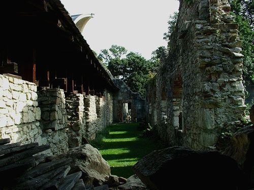 TÖRTÉNELMI KALEIDOSZKÓP...: 900 éves kincsünk: a Vértesszentkereszti apátság t...
