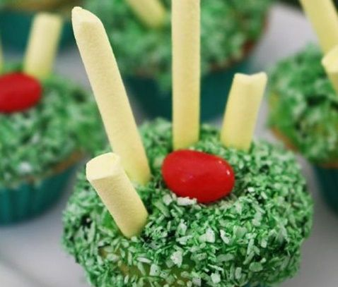 AFL Football Season has started, so why not make these adorable Footy Themed Cupcakes to enjoy while watching the next game or just for the fun making them. #AFL #cupcaketoppers
