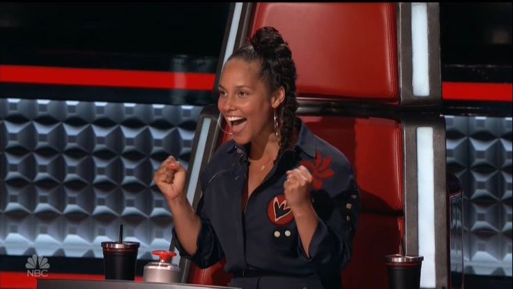 Alicia Keys was the only coach who could still steal a contestant during the Knockout Rounds on The Voice Monday night, and she used it on a familiar voice.
