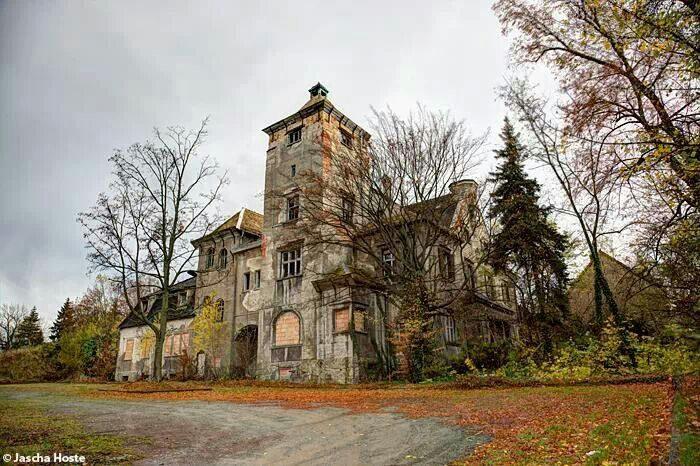 Abandoned villa in the former east germany urbex decay www lost in