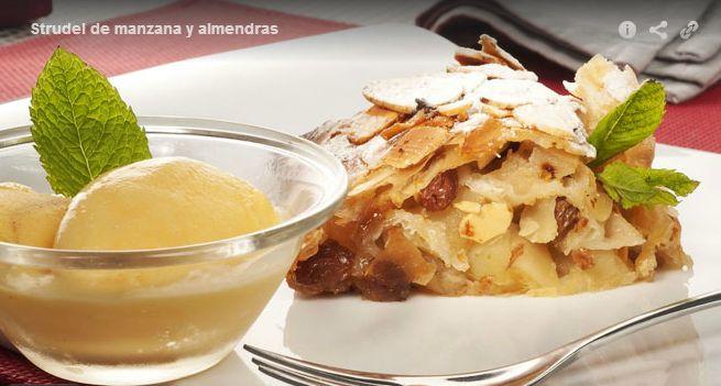 El strudel de manzana y almendras es una receta típica de Alemania y Austria.