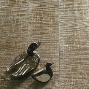 White Gold Leaf 12 Kt - Oak - sawn effect. Pavimento in Rovere taglio sega, Foglia Oro Bianco 12 Kt.