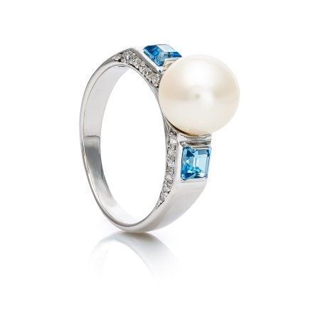 Кольцо с жемчугом и топазами из серебра