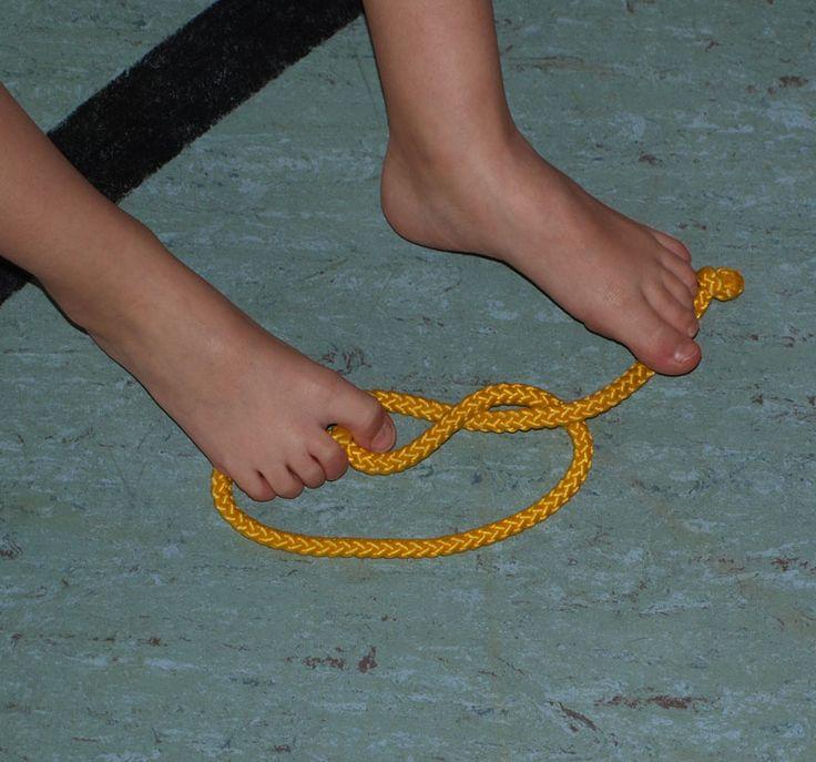 Barfußturnen - Knoten binden