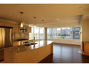 Gorgeous Corner Unit in Century Park: Upgraded and Move in Ready