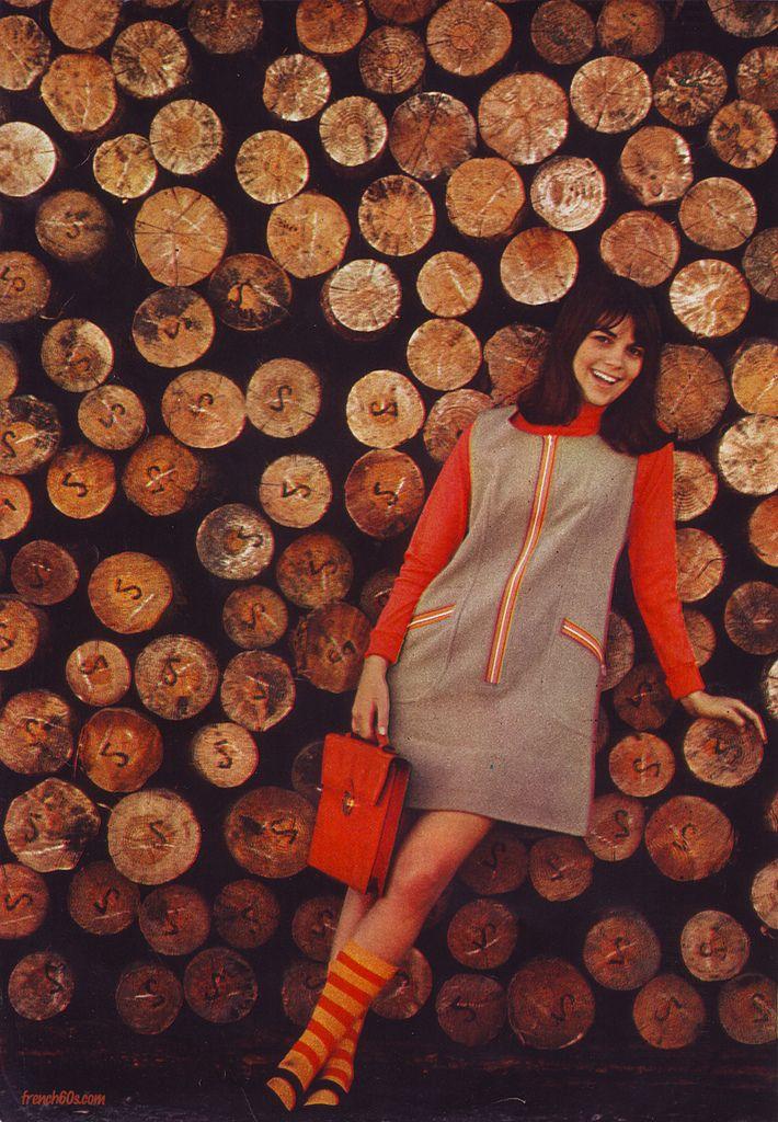 Chantal Goya - yé-yé singer and star of Jean-Luc Godard's Masculin Feminin in French teen magazine Mademoiselle Age Tendre, October 1966.   #YéyéGirls #1960s #French60s #French60sPop #Yéyé #FrenchFilm #MademoiselleAgeTendre