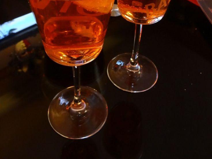 vin blanc, eau, glaçon, orange