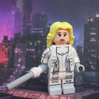 To early? Pshhh whatever, well i guess shes not dead! Im ordering that Quicksilver needs to be taken to the Lazarus pit.. XD i'll make a picture later! Well heres CW Dc Legends of Tomorrow White Canary @caitylotz! #Lego #custom #dc #cw #legends #whitecanary #dclegendsoftomorrow #caitylotz